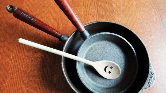 La poêle en fonte, l'outil indestructible
